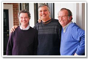 De izquierda a derecha: Ed Ayers, Brian Blogh y Peter Onuf
