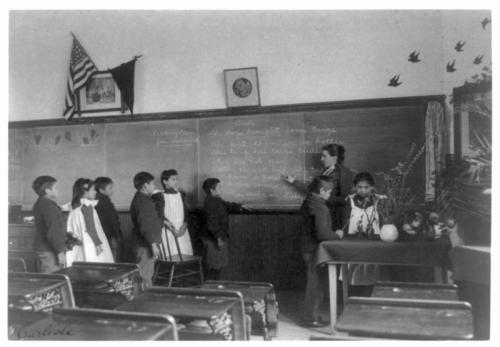 Estudiantes de escuela elemental