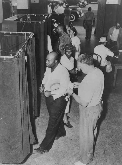 Voters at the Voting Booths. ca. 1945. NAACP Collection, The African American Odyssey: A Quest for Full Citizenship, Library of Congress. Public domain via Wikimedia Commons. - See more at: http://blog.oup.com/2014/04/felon-disfranchisement-preserves-slaverys-legacy/#sthash.wdlC2De3.dpuf